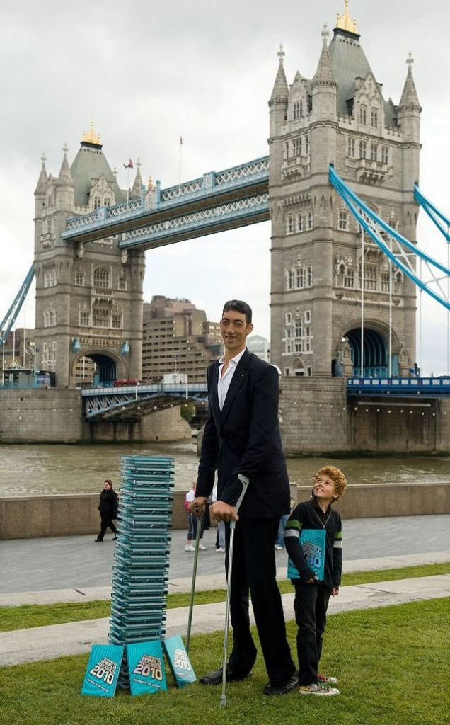 BRITAIN-TURKEY-GUINNESS-RECORD-TALL