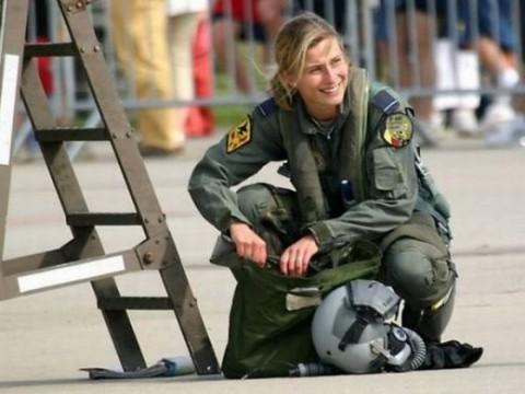 military_woman_belgium