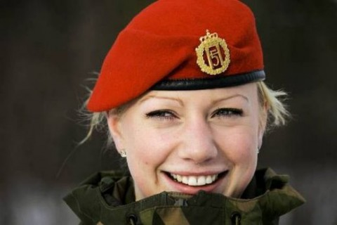 military_woman_norway