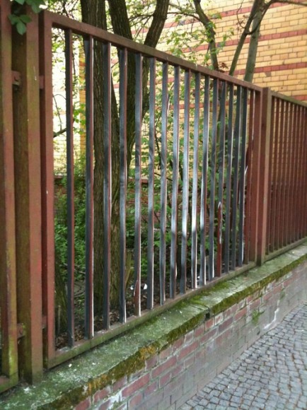 bergmannstrasse-nightmares-fence02