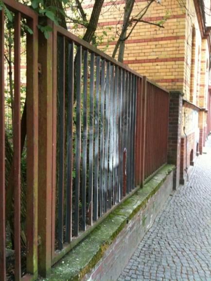 bergmannstrasse-nightmares-fence03