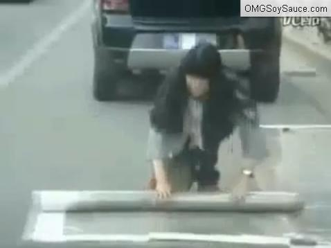 china-female-self-parking03