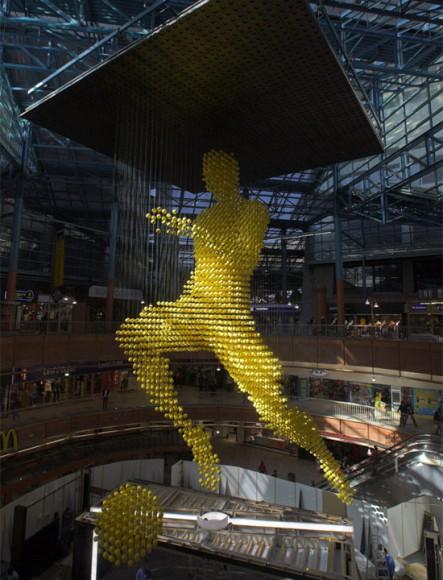 huge-sculpture-ballman03