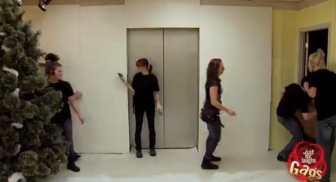 winter-elevator-prank02