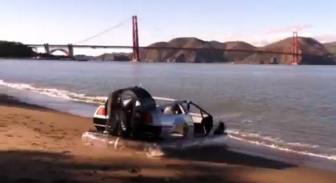 deLorean-hovers-on-the-bay02