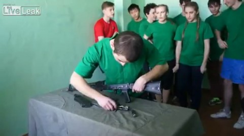 russian-rifle-dismantle-erection02