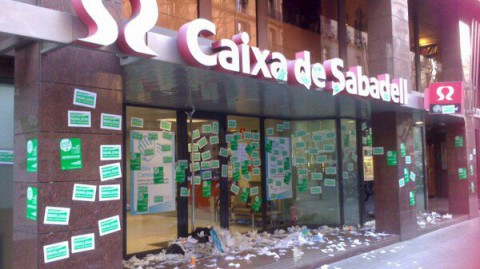 spanish-protesters-demo01