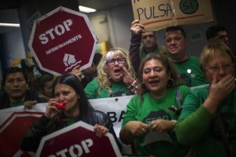 spanish-protesters-demo13