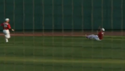 state-baseball-awesome-catch02