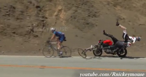 motorcycle-crashes-into-bicycles02