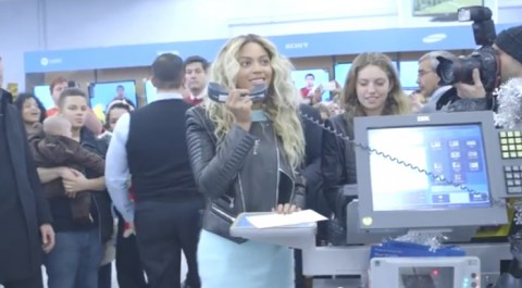 beyonce-at-tewksbury-walmart03