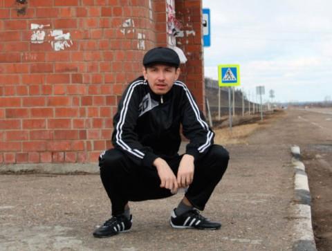 russian-squatting03