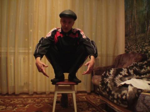 russian-squatting05