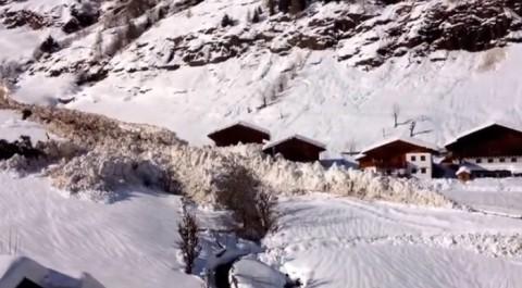 valanga-avalanchea-snowslide02