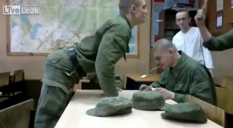 russian-army-spoons-fight02