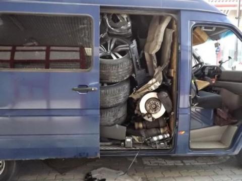 smuggled-car01