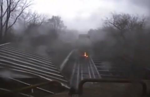 train-meets-tornado02