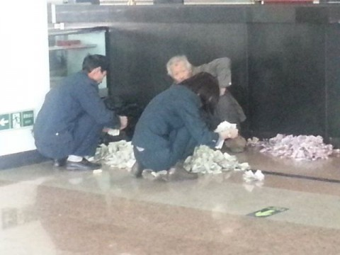 chinese-beggar-really-earns05