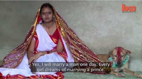 india-woman-marries-dog01