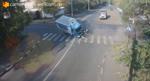 russian-cyclist-escapes02