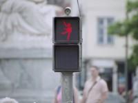 the-dancing-traffic-light01