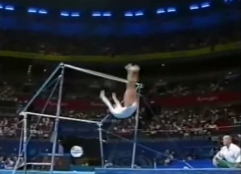 uneven-bars-accident02