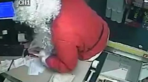 santa-robs-post-office02