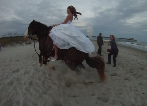 bride-thrown-from-horse03