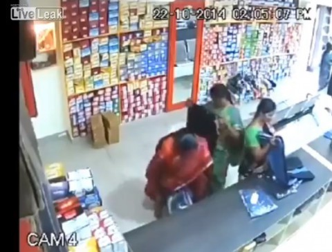 shoplifting-of-indian-woman02
