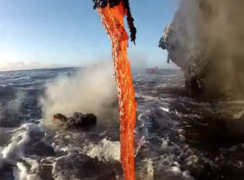 lava-entering-the-ocean02
