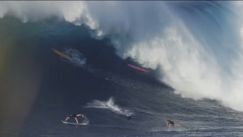 maui-jaws-big-wave02