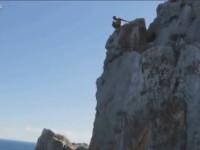 fatal-cliff-jump01