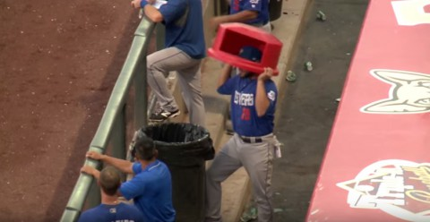 foul-balls-garbage-can-hit02