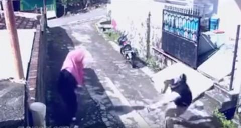 robbery-man-vs-women02