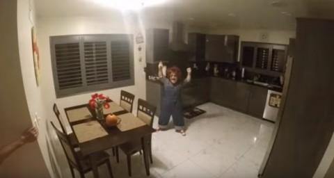 terrifying-chucky-scare-prank02