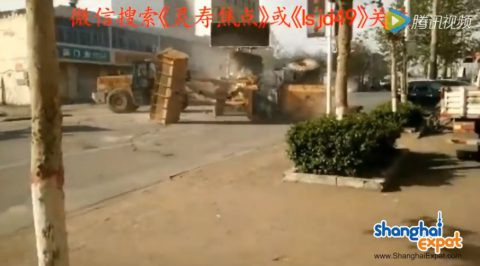bulldozer-battle-in-china02