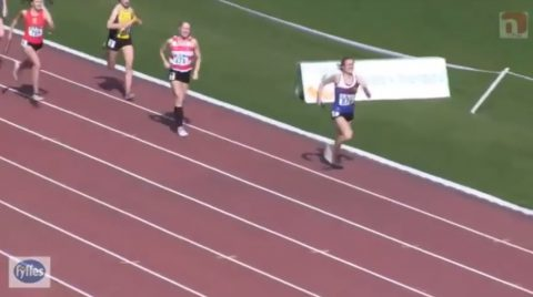 womens-relay-unbelievable-finish01