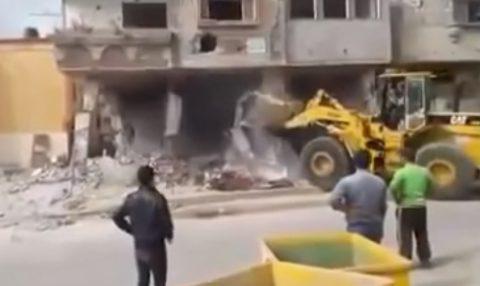 front-end-loader-demolition-fail01