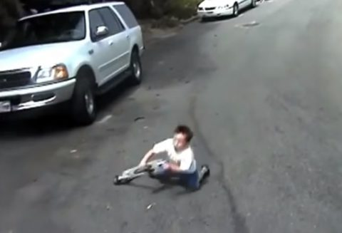 kid-eats-the-pavement02