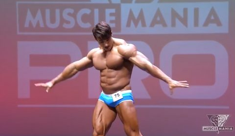 chul-soon-at-musclemania-universe-show02