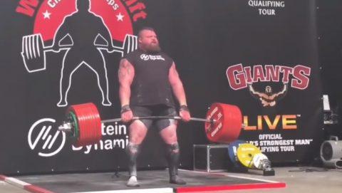 eddie-hall-500kg-deadlift-world-record02