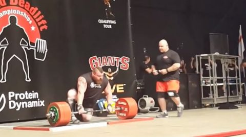 eddie-hall-500kg-deadlift-world-record03