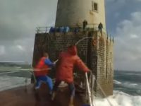 lighthouse-keepers-shift-change01