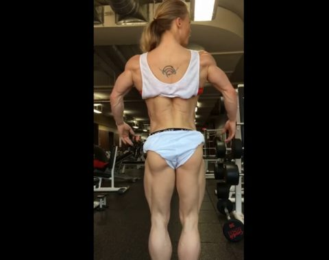 this-lady-is-ripped04